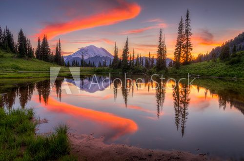 Tipsoo lake sunset