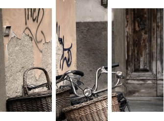Italian old-style bicycles in Lucca, Tuscany - Dreiteiliges Bild, Triptychon